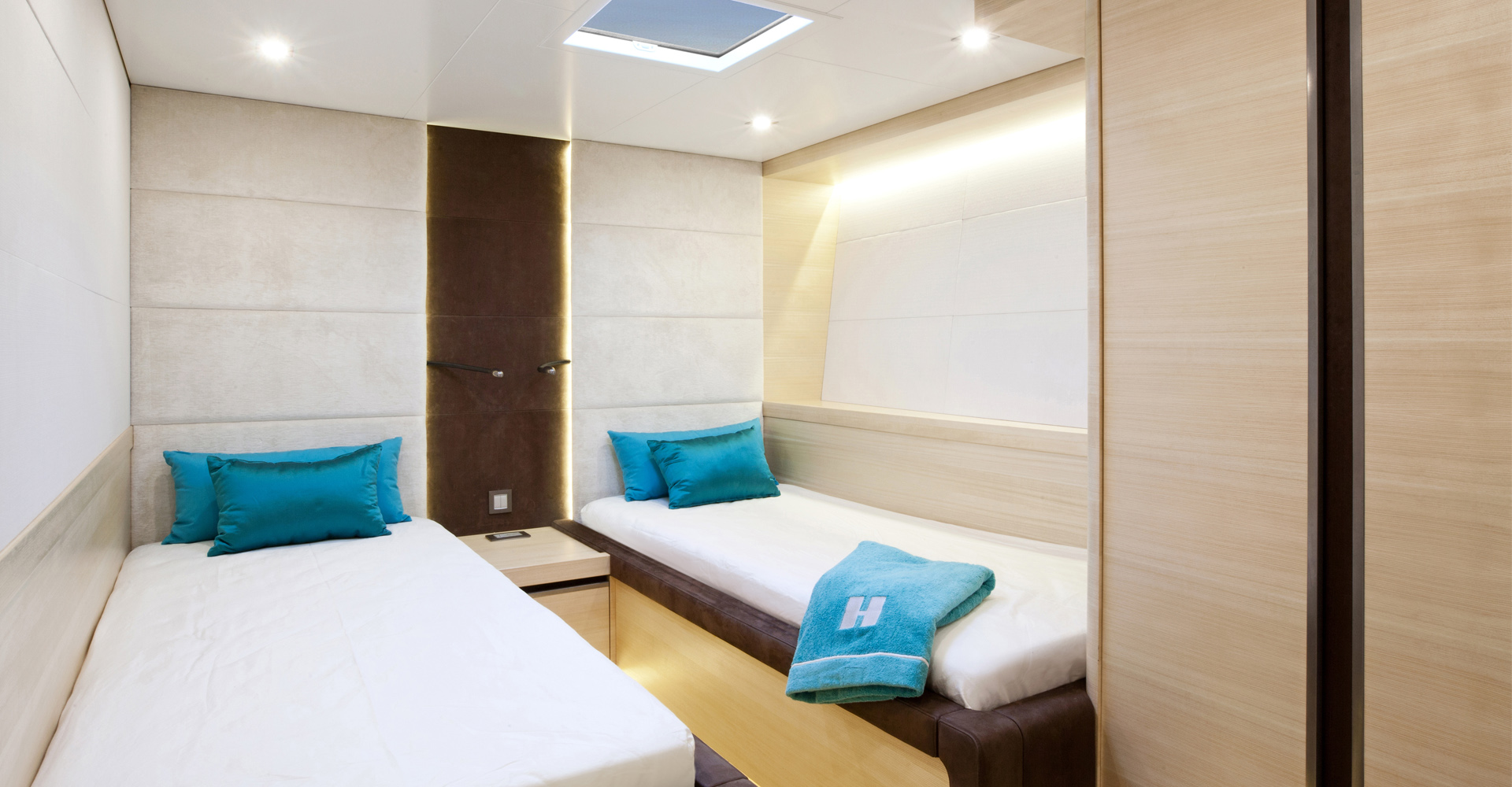 A twin cabin aboard sailing yacht Hamilton