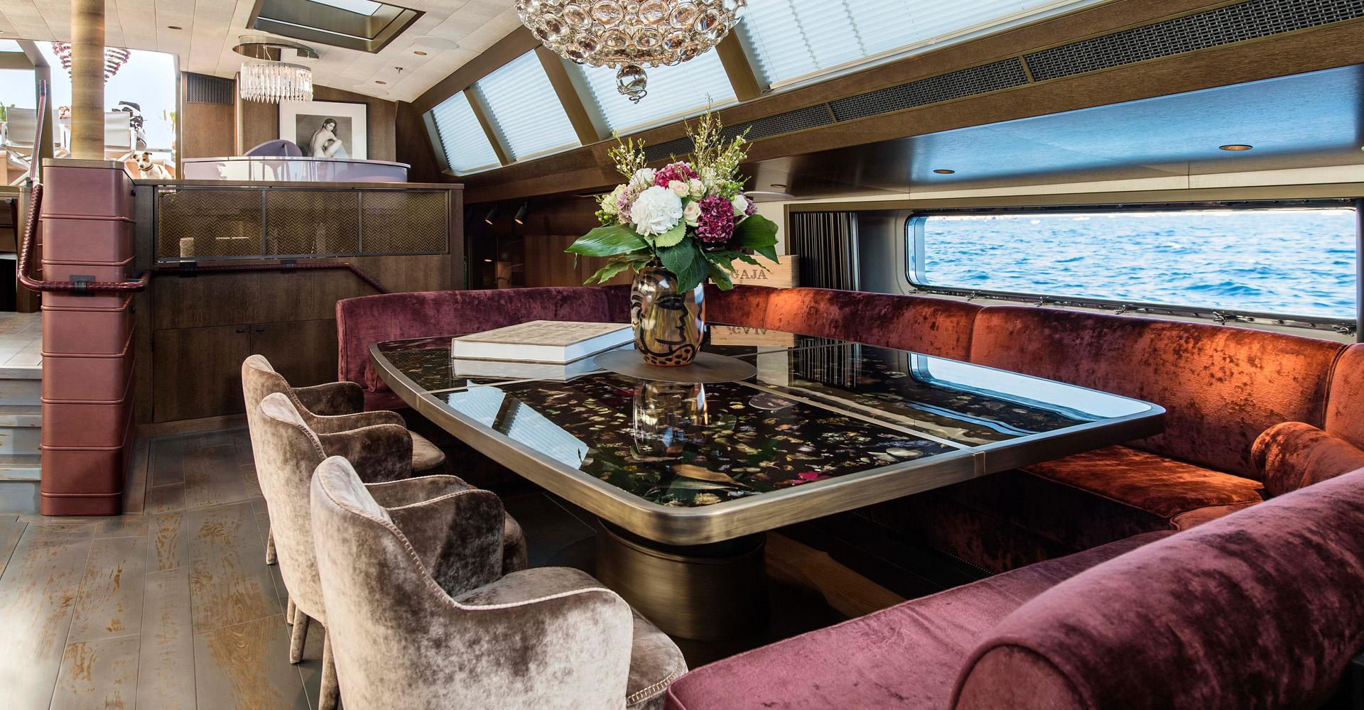 Marcin Rusak table aboard Pink Gin VI