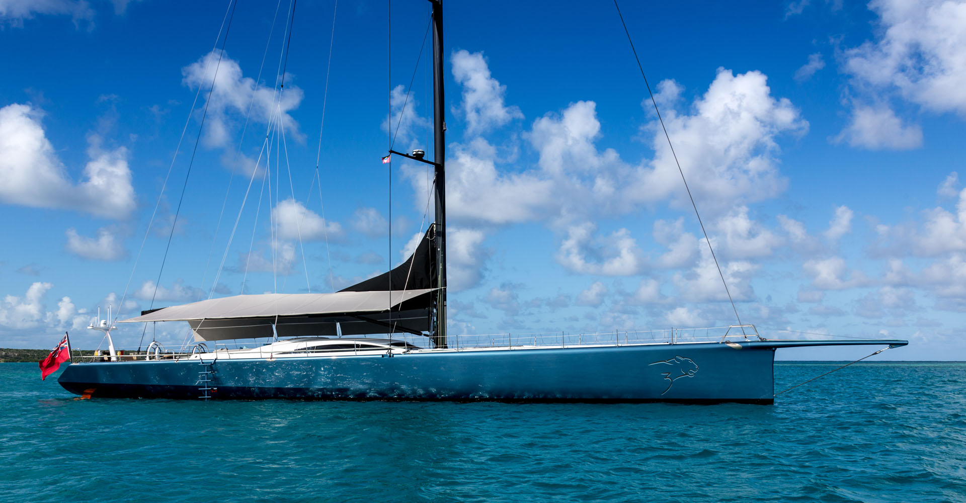Sailing yacht Leopard3 with bowsprit