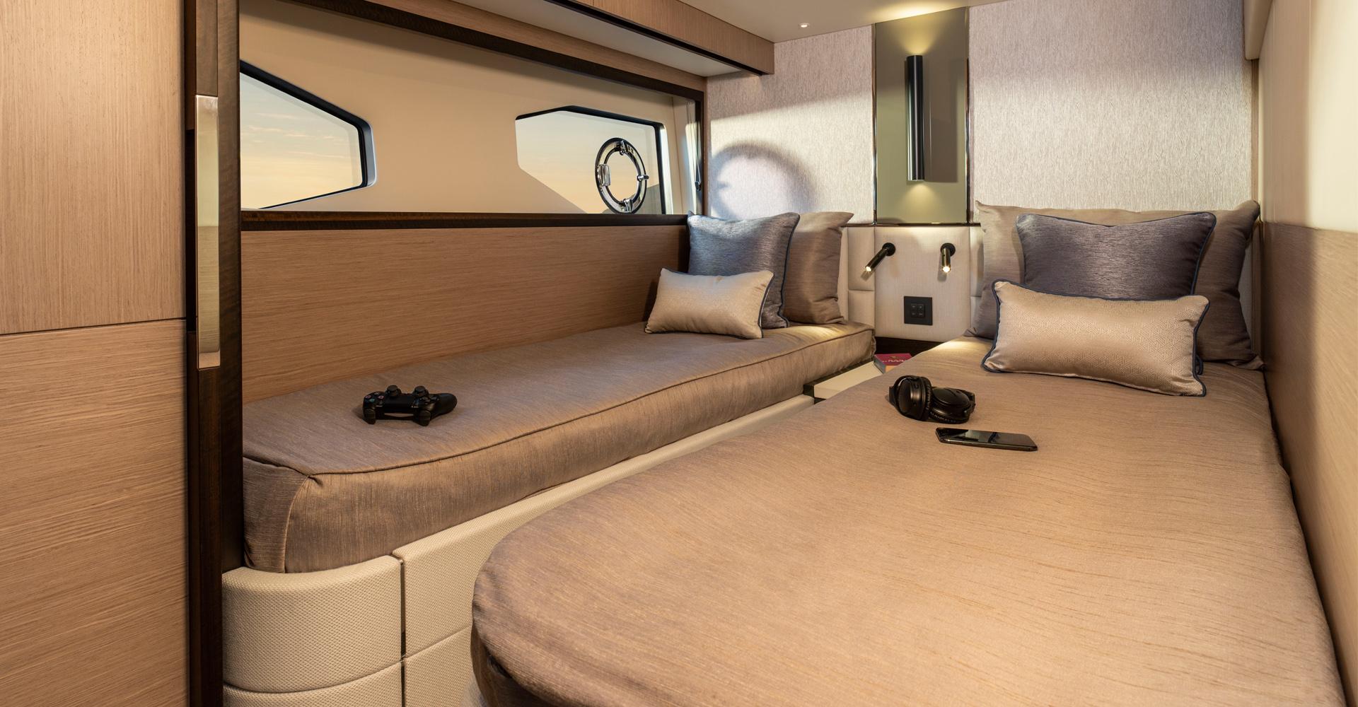 Sunseeker Manhatten 55 twin cabin